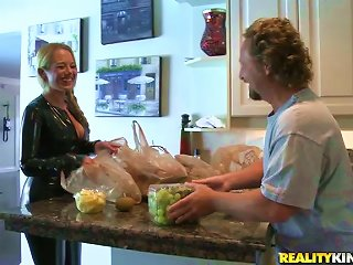 MILF Valerye Rides A Cock In The Kitchen And Gets Mouth-fucked